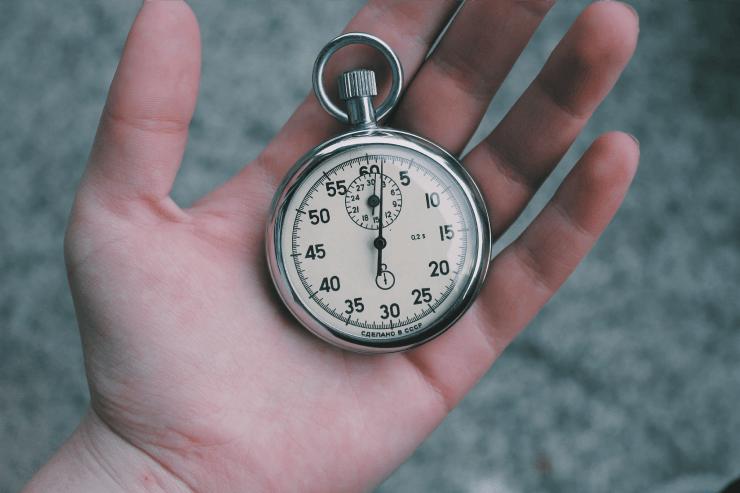 審査に落ちない!そしてマイネオ(mineo)のSIMの到着日数も節約の時計の写真